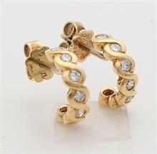 Gouden oorstekers met briljant